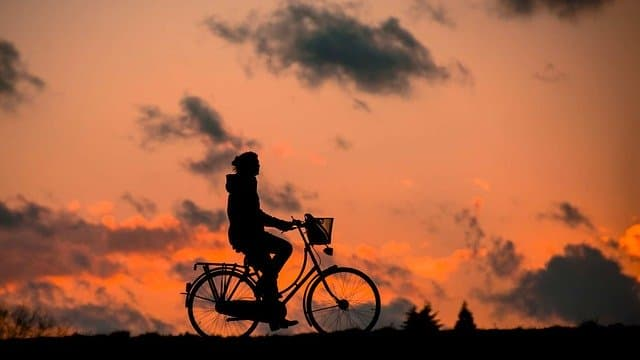 silhouette à vélo