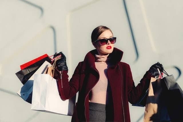 Commerce et vêtements de mode, la part du web 5
